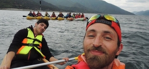 Bafralı gençlerden Şahinkaya Kanyonu'na kano ile nefes kesen yolculuk