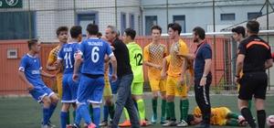Yalova'da amatör maçta kavga çıktı