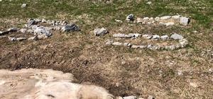 Hakkari'de 12 temsili terörist mezarı bulundu