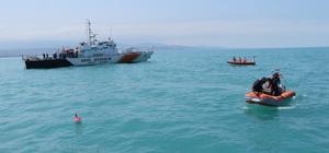 Batık gemiye dalış yapıp Türk bayrağı açtılar