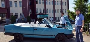 Hurda otomobilden yeni otomobil yaptılar Öğrenciler, 1988 model hurda otomobili elden geçirerek üstü açık spor otomobil haline getirdi