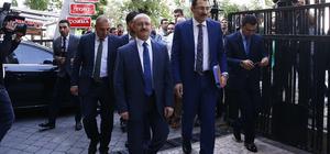 AK Parti aday listesini YSK'ye verdi
