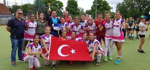 Hokeyin sultanları tarihi skorla Avrupa şampiyonu oldu