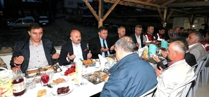 Vali Varol, Aşağı Baraklı'da köylülerle iftar yaptı