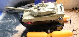 Fatih Sultan Mehmet'ten ilham alarak 'suda hareket edebilen tank' geliştirdiler