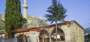 Bu cami özelliğiyle Anadolu'da tek Tokat Ulu Cami, doğu- batı yönünde iki son cemaat yeri olan Anadolu'daki tek camiolma özelliğiyle dikkat çekiyor
