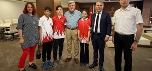 Başkan Karaosmanoğlu, şampiyon öğrencileri ağırladı