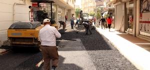 Akdeniz Belediyesi'nin asfalt ve kaldırım çalışmaları sürüyor