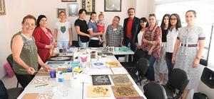 Atatürk Kadın Yaşam Köyü'nde kadınlara kurs Çukurova Belediye Başkanı Soner Çetin, Atatürk Kadın Yaşam Köyü'nde, kadınlar için açılan 10 ayrı kursu ziyaret ederek, kursiyerlerle sohbet etti