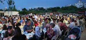 Geleneksel iftar sofrası Çeşmeli'de kuruldu