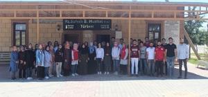 Gençler Sahabe Safvan bin Muattal Türbesinin çevresini temizledi
