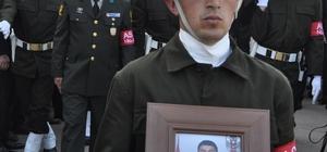 Şehit Uzman Çavuş son yolculuğuna uğurlandı Cenaze törenine Bakanı Özlü ve Bakan Canikli katıldı