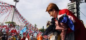 """İYİ Parti Genel Başkanı Meral Akşener: """"Bu tülbentlerin hepsini cumhurbaşkanı seçildiğim gün Çankaya'da bir müzede isim isim sergileyeceğim"""" """"Parti kurucusu Yusuf Halaçoğlu, İzmir ya da Ankara'dan aday olmak istedi, genel başkan yardımcılarımızın altına onu koysak olmazdı. Koskoca abimi. Dolayısıyla 'Beni affedin' dedi. Ben de o karar saygı duydum"""" """"Bir tek torpil olacak, nüfus cüzdanıdır, ondan başka torpile ihtiyacınız olmayacak"""""""
