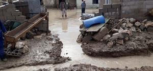 Yenifakılı'da şiddetli yağmur 15 ev ve ekili alanlara zarar verdi