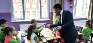 Yalova'da öğrencilere süt dağıtıldı