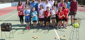 Uşak Belediyesi 6 branşta yaz okulu açıyor