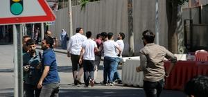 Diyarbakır'da Öcalan lehine slogan atan gruba müdahale: 1 gözaltı