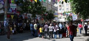 Diyarbakır'da PKK lehine slogan atan üç kişiye gözaltı