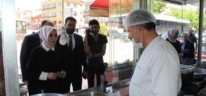 AK Parti Konya'da seçim çalışmalarına devam ediyor AK Parti Konya Milletvekili ve 27. Dönem Milletvekili adayı Leyla Şahin Usta ziyaretlerde bulunarak seçimlerde destek istedi