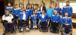 Başkan Karaosmanoğlu, Kağıtsporlu sporcuları ağırladı