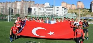 """Hokeyin sultanları ve kaplanlarına kutlama İMO Başkanı Gökhan Çeliktürk: """"Ülkemiz ve Gaziantep adına gurur duyduk"""""""
