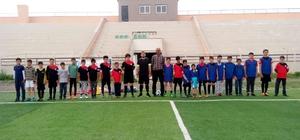 Malazgirtli çocuklara futbol eğitimi