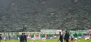 Bursaspor'un kale arkası tribünündeki koltuklar kaldırılıyor