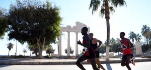 Mersin Uluslararası Maratonu ilk hedefine ulaştı