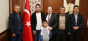Hakan Çalhanoğlu Bayburt'ta