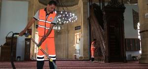 Battalgazi Belediyesi camilerin temizliğine devam ediyor