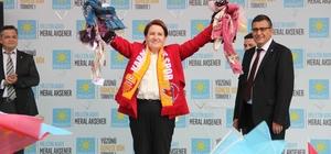"""İYİ Parti Genel Başkanı Akşener Karaman'da Cumhurbaşkanı adayı Meral Akşener: """"Cumhurbaşkanı seçileyim, öyle yasalar çıkartacağım ki rüşvet alanında verenin de eli ateşte yanacak"""""""