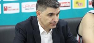 """Eskişehir Basket elendi Eskişehir Basket Başantrenörü Josep Maria Berrocal: """"Bu şekilde kaybetmek üzüntü verici"""""""