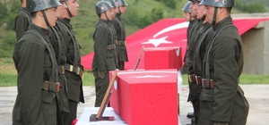 Şehit güvenlik korucular için Şemdinli'de tören düzenlendi