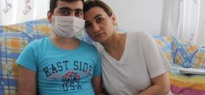 """Aplastik anemi hastası 15 yaşındaki Cavit, 457 bin TL ile hayata tutunacak 1 milyonda sadece 3 kişide görülen hastalık için canlı yayında tespih satışından 40 bin TL toplandı Valiliğin izniyle başlayan kampanyada 15 yaşındaki Azeri Cavit'in tedavisi için 457 bin lira aranıyor Oğlunun sağlığına kavuşmasını isteyen baba Davut Abdullayev: """"Cavit'in tedavisi için herkes bize bir kahve, bir sigara parası yardımcı olsun"""""""