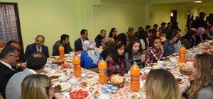 Çatak'ta lise öğrencilerine iftar yemeği