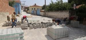 Pelitköy'de parke taş çalışmaları devam ediyor