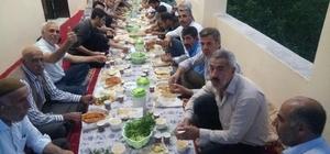 Köyün gençleri tüm köye iftar yemeği verdi