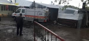 Ardahan'da köyler su altında kaldı Tora Deresi taştı Kazlı köyü taşkın sulara teslim oldu