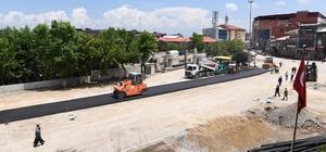 Belediye meydanında birinci kat asfalt kaplama çalışmaları başladı