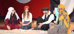 Adıyaman'da tiyatro oyununa yoğun ilgi