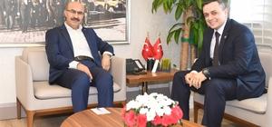 Şehit Serhat Sığınak'ın ağabeyi ve silah arkadaşları, Vali Demirtaş'ı ziyaret etti