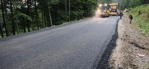 Akkuş'un yolları asfalt Kızılelma-Çayıralan grup yolu sıcak asfaltla buluşuyor