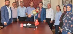 AK Parti Manisa milletvekili adayı Özkan sahaya indi