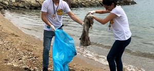 Deniz gönüllülerinden kıyı temizliği