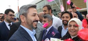 """TBMM Başkanvekili Aydın, Adıyaman'da güllerle karşılandı TBMM Başkanvekili Ahmet Aydın: """"15 Temmuz'da topla tüfekle yapamadıklarını ekonomi üzerine operasyon ile yapmaya çalışıyorlar"""" """"Hem tavaf yapacağız hem şeytan taşlayacağız"""" """"Abdulhamid'e yaptıklarını yapmaya çalışıyorlar"""""""