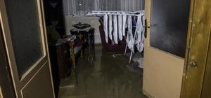 Bursa'da 7 saat sonra heyelan ve selin altında kalan köye ulaşım sağlandı Suların çekilmesiyle içler acısı manzara ortaya çıktı