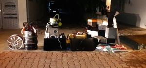 Antalya'da nakliyeci adıyla hırsızlık Soranlara kendisini nakliyeci olarak tanıtan şüpheli depodaki tüm eşyaları götürdü