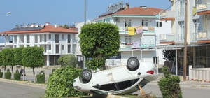Manavgat'ta kaza: 3 yaralı Kiraladığı araçla 300 metre gidebildi