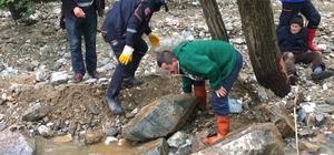 Bursa'da sel nedeniyle mahsur kalan yaşlı adam kurtarıldı