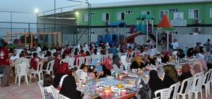 Suriyeli yetimler iftar sofrasında buluştu